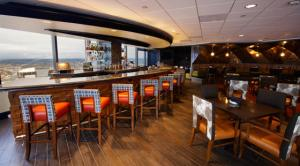 Columbia-Tower-Club-Seattle-WA-bar-grill-560x310_singleImage